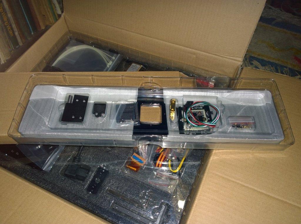 HDPLEX 2nd Gen Fanless PC Case Unboxing
